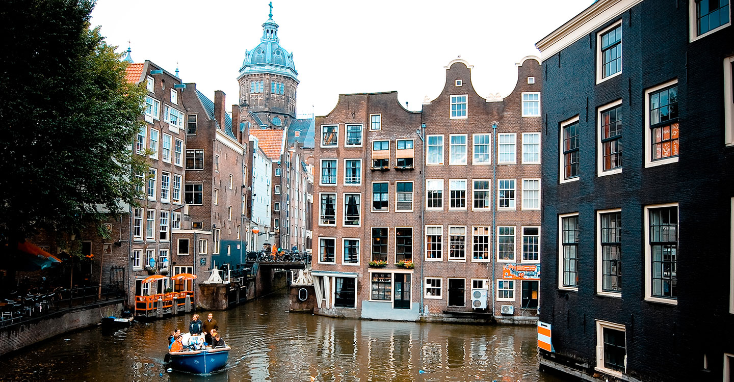 Cruise on the canals