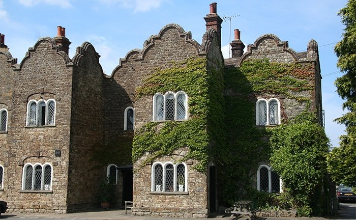 Le village de Pluckley dans le Kent